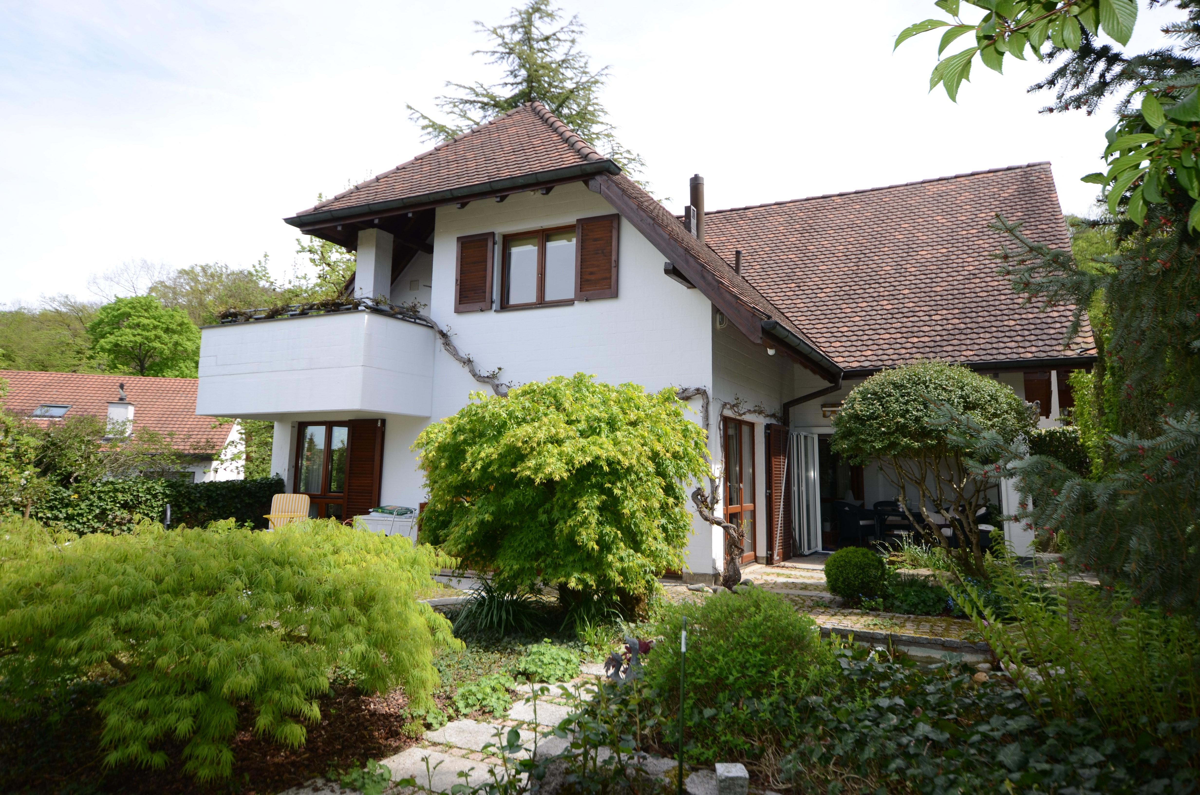 Gediegenes Landhaus mit Traumgarten und Aussicht